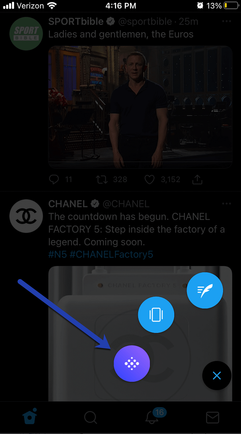 the Twitter Spaces button.